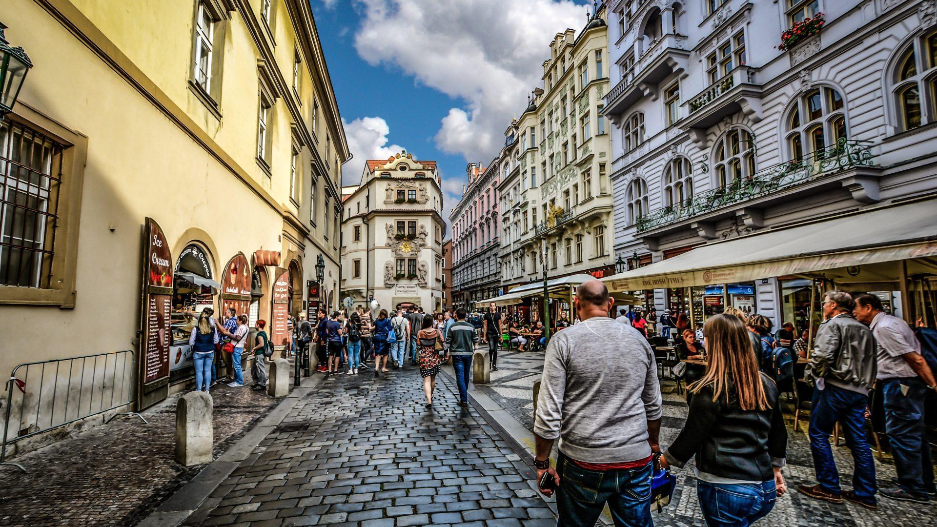 PRAGUE, LA