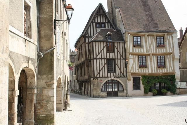 troyes-2005359_640